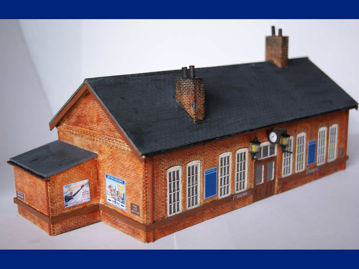 B 00-04 station painted and assembled by Claire and Martin. Modifications include the small brick extension to the side of the station as well as the panel running around the station building. Submitted by Claire and Martin Gilmore on 13th May 2015