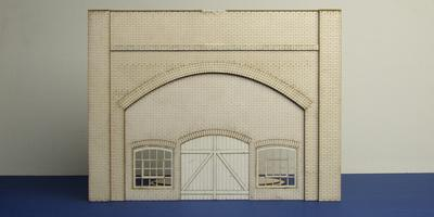 LCC A 70-02 O gauge brick arch with warehouse fittings